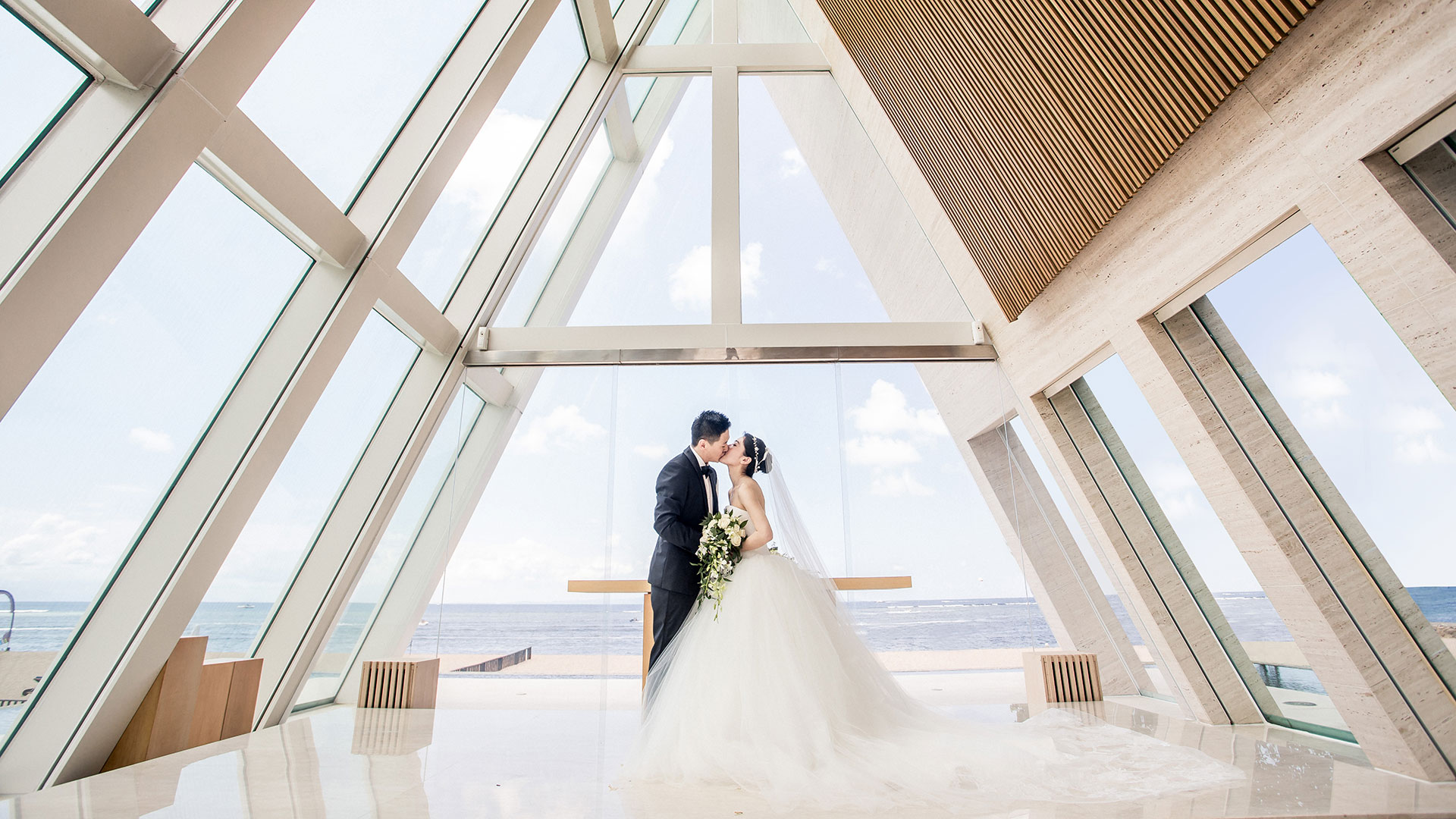 One sweet and funny couple from Hongkong, With just close family and best friends, Ben and Cecily done their wedding at...